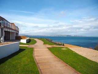 Lapwing 1, The Cove - Luxury 2 bedroom apartment set above a beautiful cove in B