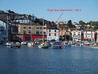 Kings Quay Apartments 2 - Spectacular harbour views from this 3 bed, top floor h