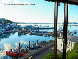 Sea Nook - Stunning sea views from this lovely 3 bedroom cottage
