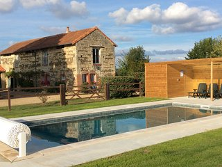 """The Barn"" Gite Rental with Swimming Pool (Nearest City is Saumur)"