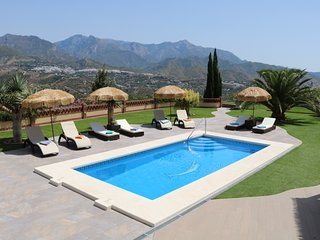 Luxury Villa in Tranquil and Peaceful Setting, Nerja