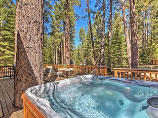 NEW! 4BR South Lake Tahoe Cabin w/Private Jacuzzi!