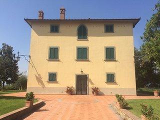 Grande appartamento in villa panoramica in collina, Ponticino