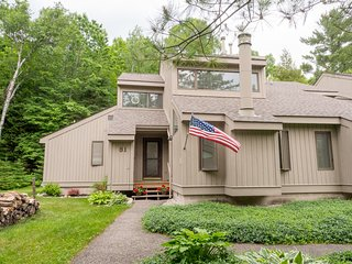 Cottage Cove Spacious Family Friendly End Unit, Harbor Springs