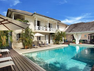 Fantastic 6 bedroom villa with private pool, St. James
