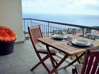 Charming Apartment with Sea View - Free Wifi, Canico