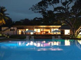 Happy Trees - Ideal for Couples and Families, Beautiful Pool and Beach
