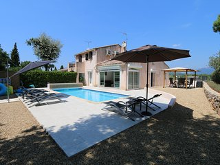 Villa sleeps 6 heated private pool  wifi  air con, Valbonne