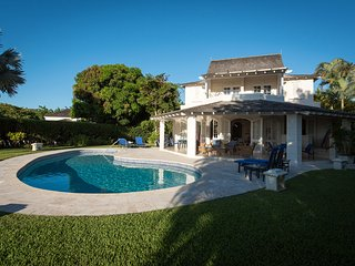 Sweet spot - Ideal for Couples and Families, Beautiful Pool and Beach