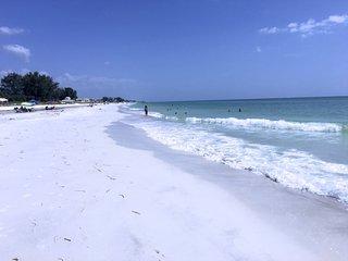 The Anna Maria Island Beach Paradise 5
