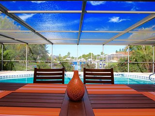 Villa Dolphin - End of Canal-enjoy the sunset, Cape Coral