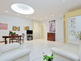Luxury 2 Bed Flat in the Heart of Rome - Close to Vatican