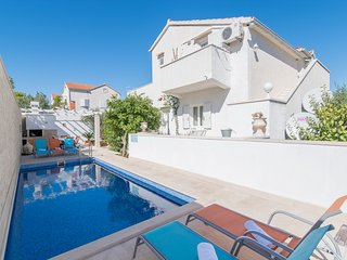 Apartments Morana - One Bedroom Apartment with Balcony and Pool View (A1)