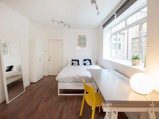 Franciscan 294 Bed & Breakfast Studio S1, London