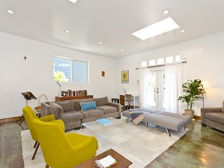 2bdr/3ba Venice House near Abbott Kinney and Beach, Los Angeles