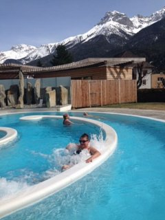 Outdoor pool of the Scuol Spa