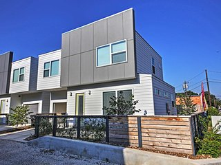 Modern San Antonio Home-Walk to Blue Star District