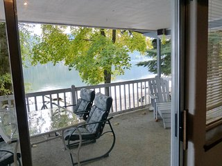 Enjoy a Lake Front Home this September & October! Watch the Fall Colors Unfold