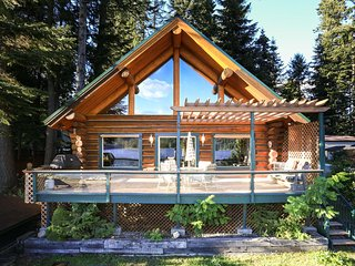 Be the First to Stay in this Log Home- Waterfront!, Rathdrum