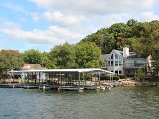 Chinquapin Lake of the Ozarks Family Vacation Home, Sunrise Beach