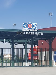Walking distance to Chicago Cubs spring training