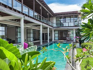Villa Cara 5 bedroom Luxury, private pool Jimberan, Jimbaran