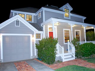 *SONOMA PLAZA* Adorable Cottage IN TOWN CENTER!