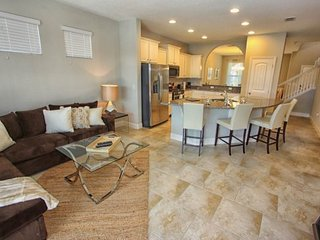Stunning 5 Bed 4.5 Bath Pool Home in Solterra. 5368OA, Davenport