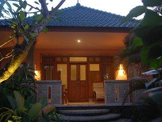 Villa Orchid, Sembiran