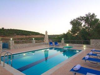 Blue Villa II, tranquil setting!, Rethymnon
