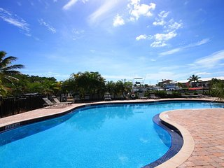 BREATHTAKING...!! UPDATED Oceanfront Pools Beach Tennis Fishing Marina