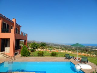 Michail Villa II, great sea views, unique location, Skouloufia