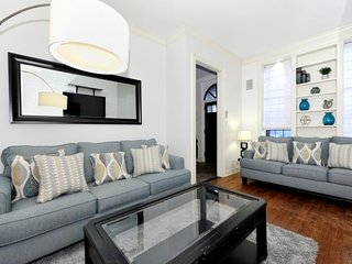 Spacious UES 4BR/2.5BA Townhouse for 10 people (100% Legal)