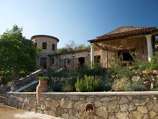 Purisma 208106 villa with quite location, heated pool 17 x 7 mtr, summer kitchen, Bargemon
