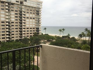 1 Bed 1.5 bath with amazing views of ocean