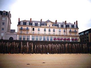 Saint-Malo, Sillon, front de plage vue mer, 9 pers.