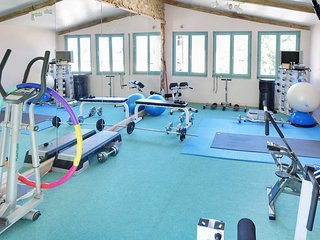 The gym with TV and DVDs