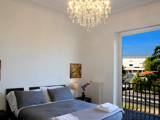 Montebello Opera Luxury Apt with balcony & garage, Florence