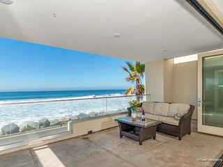 New Luxury  Beach Front  Condo on The Strand, Oceanside