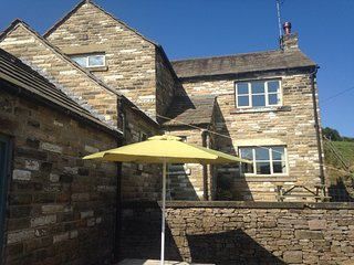 Peak District Farmhouse with Stunning Views of The Cheshire Matterhorn, Wincle
