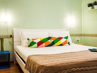 Colorful, cute, refined flat in San Pietro's area