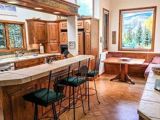 4916 Juniper Lane - Spacious Home in East Vail