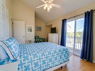 Hop Into Spring with this Gorgeous 2 bedroom 2 bathroom Beach Home!!, Panama City