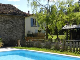 Le Grenier Gite for 4 with solar-heated pool