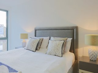 Central London Apartment #3 (Sleeps 6)