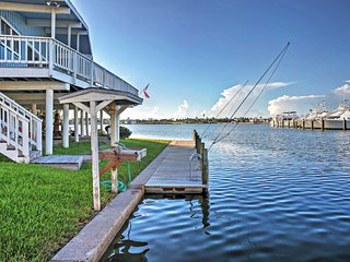 NEW! 3BR Waterfront Key Allegro Home w/Amazing Views!, Rockport