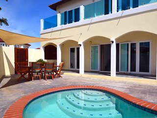 Private Villa and Pool at Merlot Villas near Beach, Palm/Eagle Beach