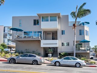 Two Ocean View Units, Just Steps to the Beach in San Clemente's Pier Bowl