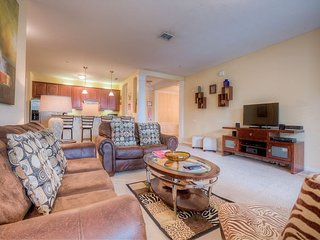 2BD/2BA luxury lakeview condo on the first floor!!!