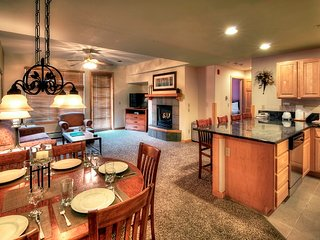 Ski IN/OUT Awesome Vacation Condo Location, Breckenridge